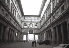 Piazzale degli Uffizi, Florence