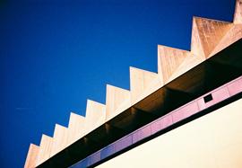 Photo of the roof edge of the ODEON Cinema, Brighton